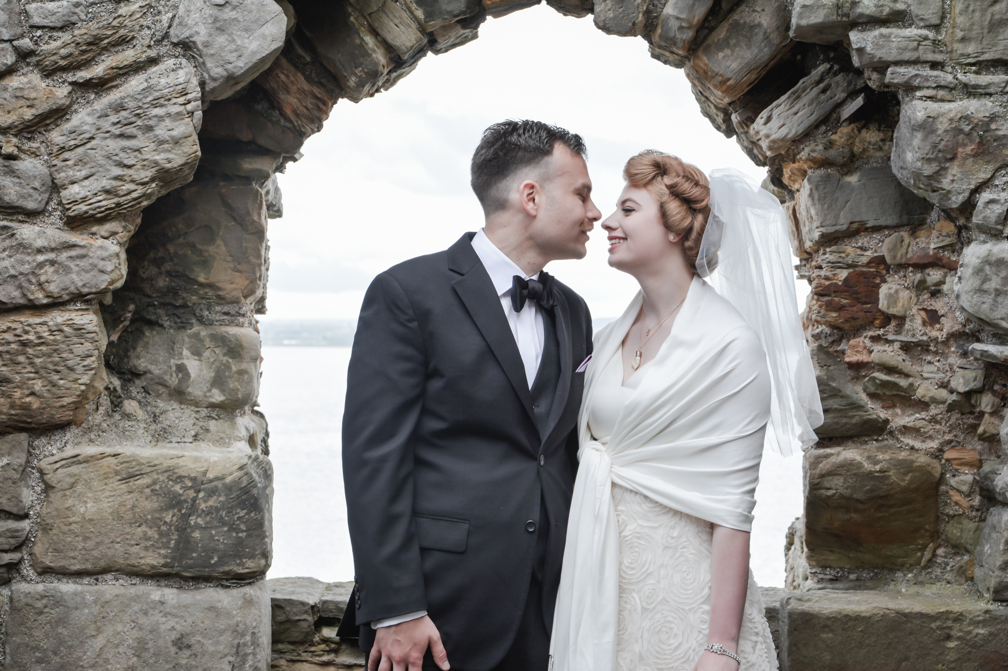 Agnostic Scotland Wedding Celebrant, Onie Tibbitt, conducting a beautiful and personal Wedding Ceremony on Inchcolm Island.